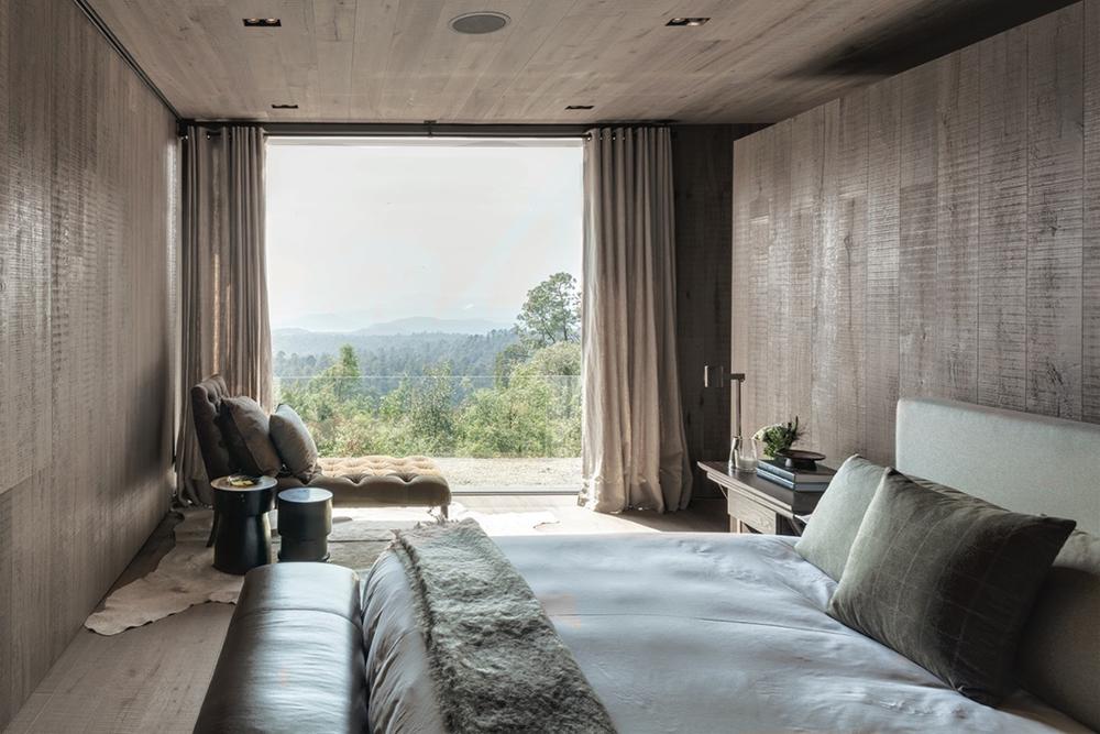 El-Mirador-House-CC-Arquitectos-Modern-Design-Horse-5
