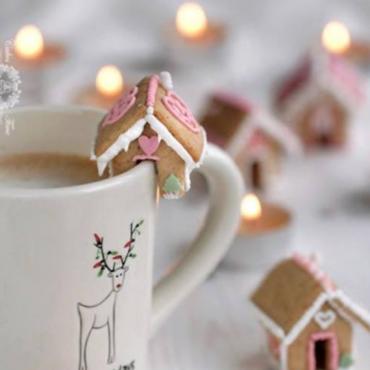 DIY: The Perfect Holiday Mug Accessory